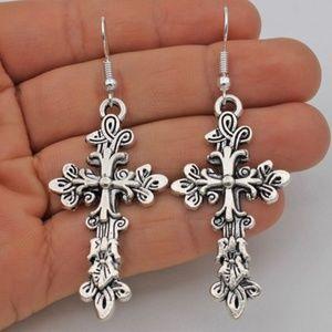 Jewelry - Pretty Cross Earrings